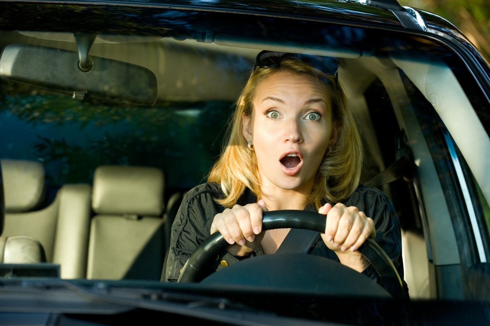 Женщина в машине прикольные картинки