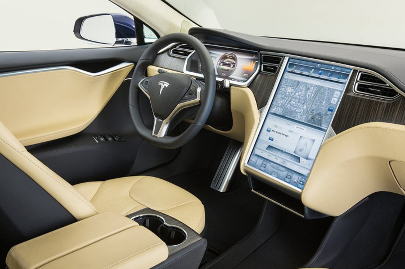 Tesla Model S превратился в самый быстрый в мире бронированный автомобиль