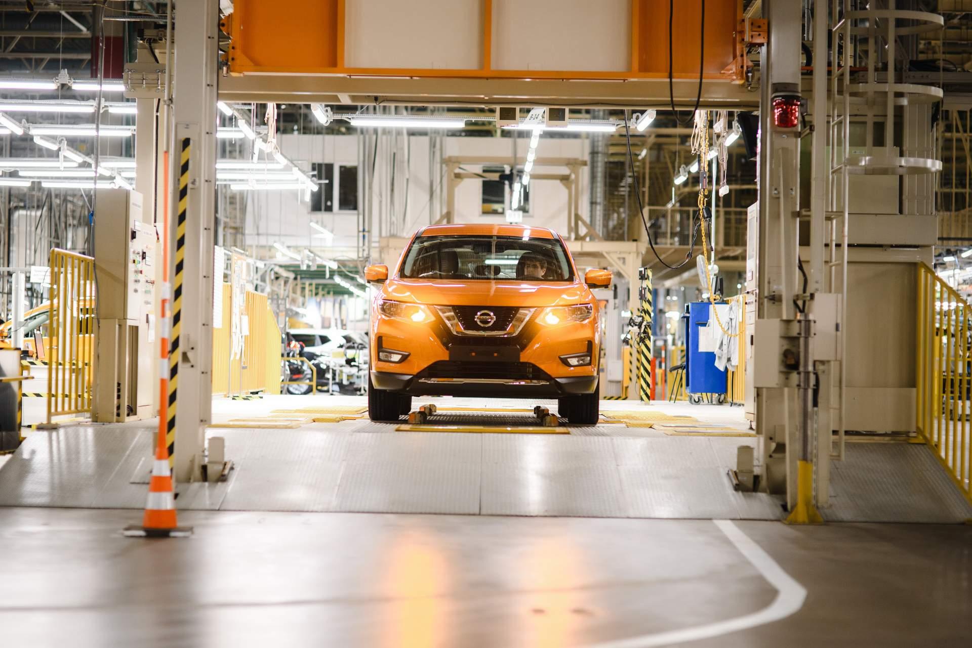 Впервые за 10 лет чистая прибыль компании Nissan ушла в минус