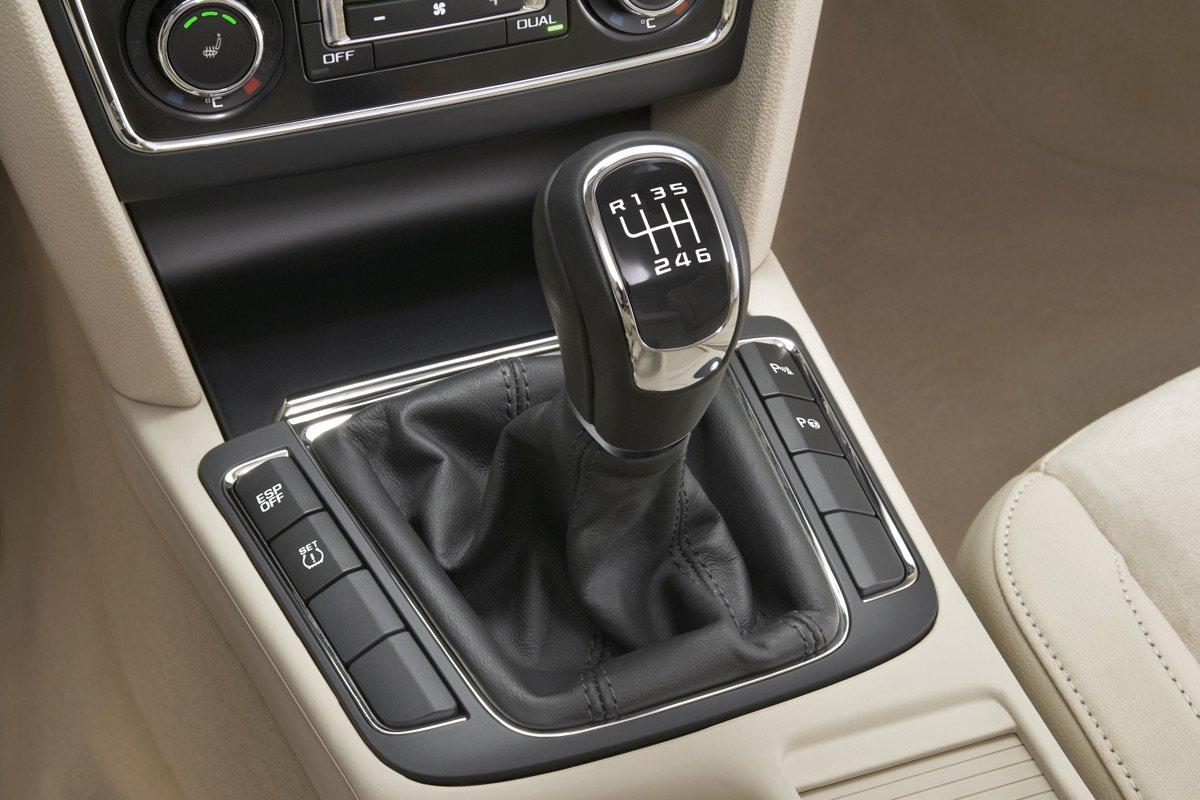 Что делать, если в машине внезапно заклинила коробка передач