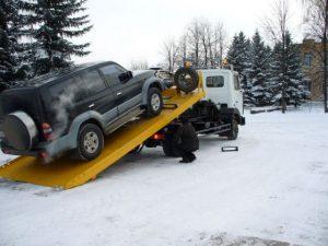 Когда вам нужна услуга автоэвакуатора в Киеве?